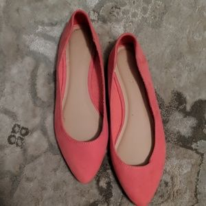 Pink pointy ballet flats NWOT